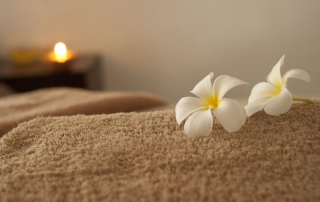 massage table with flowers